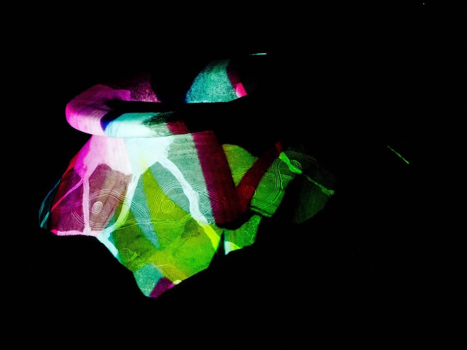 T-visual-skin-projection-mapping-ancient-bowl-campulung-2014-2